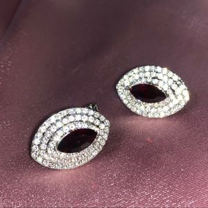 Red crystal stone glam shine earring